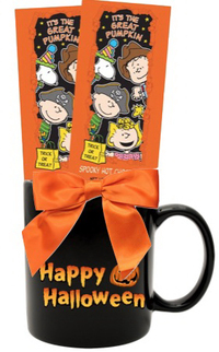 Halloween Classic Cocoa Gift Mug with Charlie Brown