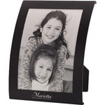 Curved metal picture frame